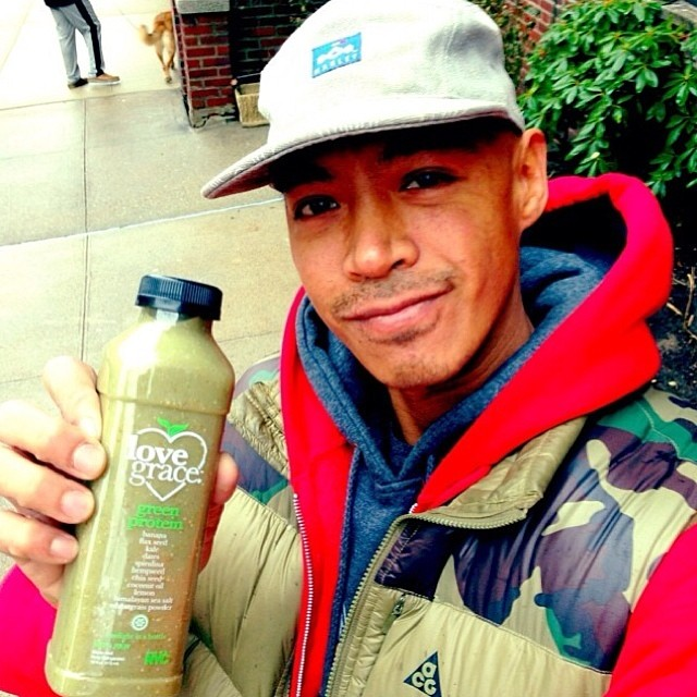 @supa718ny sipping on green protein smoothie #LGSKATETEAM