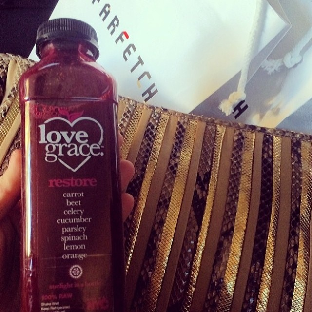 @hillarykerr keeping juiced during #NYFW
