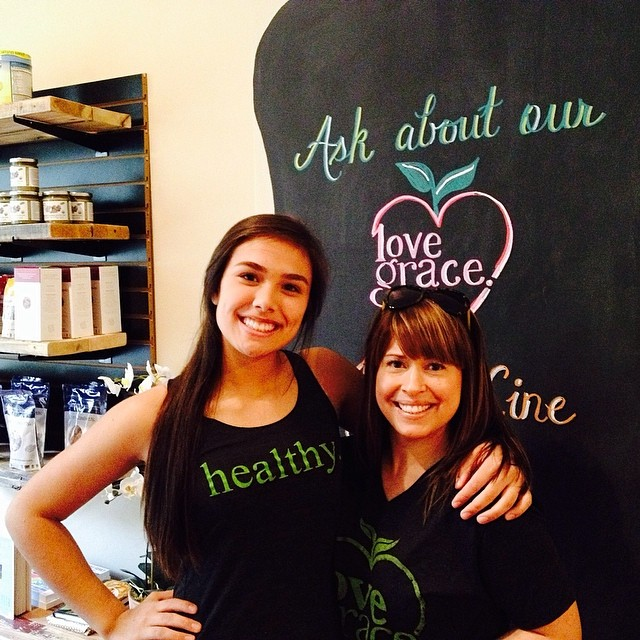 Healthy tee and healthy tank spotting at @h2qfitness want a tee shirt or tank? Email us at info@lovegracefoods.com
