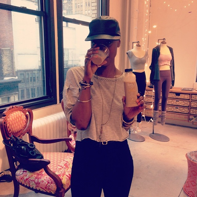 Blogger beauty @bohoelle loving the probiotic smoothie at the @freepeople #fpmovement event!
