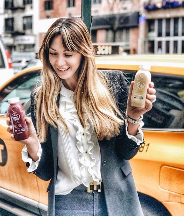 That Friday #girlboss hustle  we live to fuel all you goddesses on-the-go  as we always say ~ a nourished body does the most good!  thank you for sharing this magic moment @zenkitchen_nyc