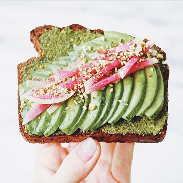 Sunday in all its glory 🥑 some rituals just never get old no matter how you spin em ️ love this creative avo toast ft. almonds, sesame seeds and radish for a lil extra somethin  @carolines_kitchen