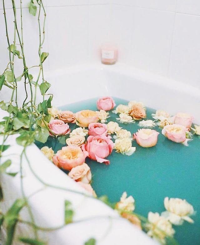 Plans tonight?! ️ yeah were busy too. 🛁 #newmoonvibes @aleur.mtl
